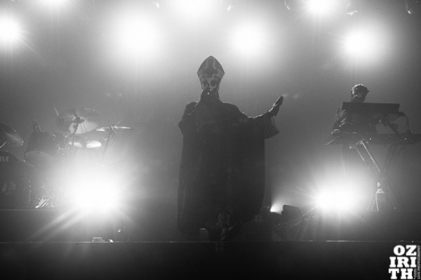 ghost, concert, lyon, scene, papa emeritusIII, 2015