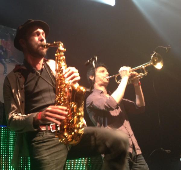 manudigital, babylon circus, saxophone, trompette