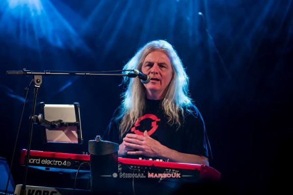 John Young, Pendragon, Divan du Monde, Progressive rock,