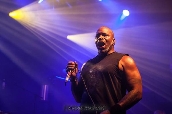 Sepultura, Roots, Bataclan, Derrick Green, thrash, report, metal,