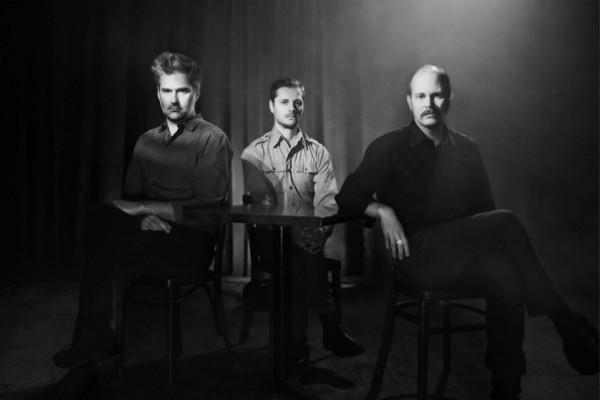 timber timbre, canada, taylor kirk, mathieu charbonneau, simon trottier, 2017, sincerely, future pollution, folk, indie, blues