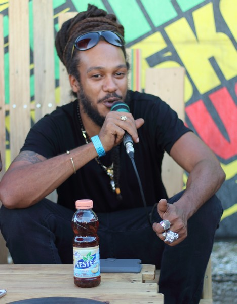 Yaniss Odua en interview au Reggae Sun Ska
