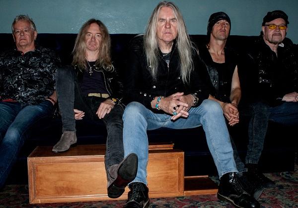 Saxon, Thunderbolt, Groupe