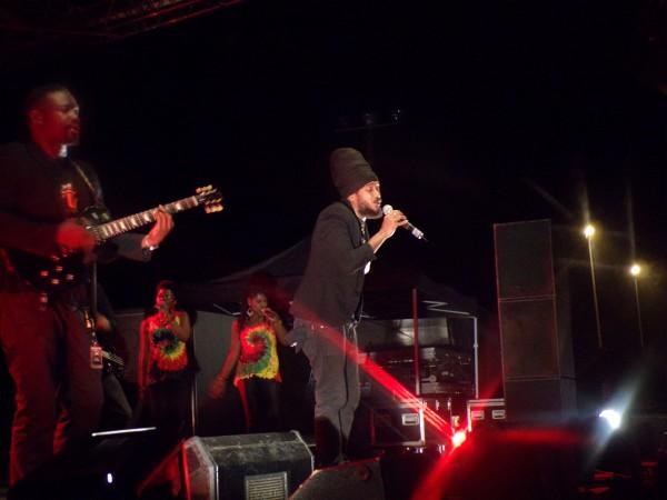Yaniss Odua & Artikal Band