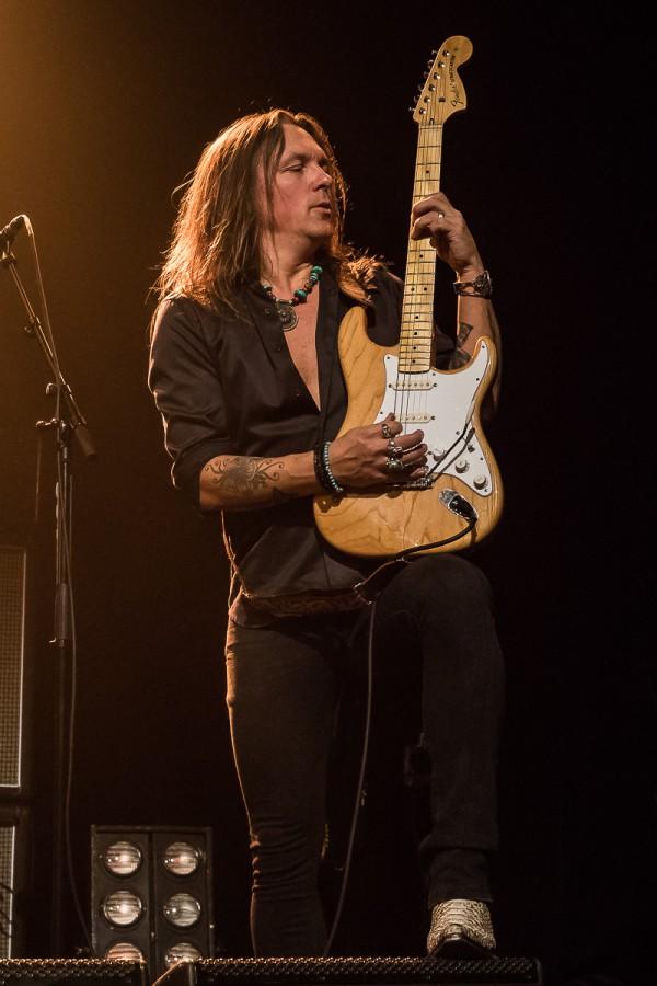 Glenn Hughes, guitariste, solo
