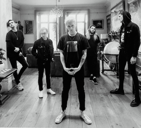holding absence, 2018