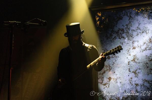 silver dust, guitariste, tiny pistol, moulin rouge, paris