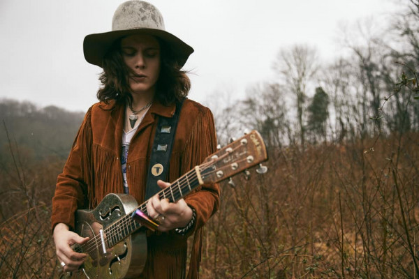 tyler bryant and the shakedown, out there, single, rock, blues
