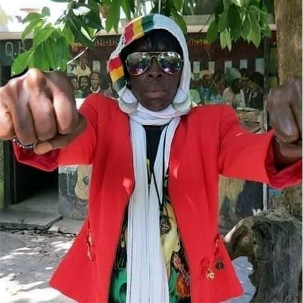 Jennifer Barrett, Skunkhead, marching for freedom, video 2020, reggae 2020